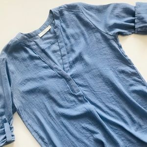 Lush Roll Tab Sleeve Tunic - M - Light Blue
